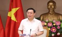 Phó Thủ tướng yêu cầu bám sát kịch bản điều hành giá