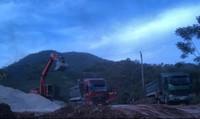 Thanh Sơn (Phú Thọ): Lợi dụng hạ cốt nền khai thác khoáng sản trái phép?