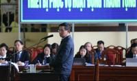 Ông Phan Văn Vĩnh dùng quyền im lặng để từ chối trả lời câu hỏi