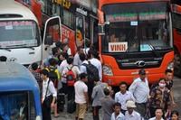 Sĩ tử vội vã rời Hà Nội sau môn thi cuối