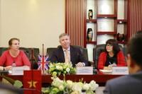 Tổng lãnh sự quán Anh tại TP.HCM thăm và làm việc với Bamboo Airways và Tập đoàn FLC