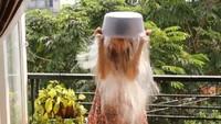 Sao Việt lố bịch thách Bộ trưởng dội nước đá lên đầu