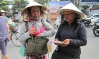 Nỗi niềm người phụ nữ đặc biệt hát bên đường TP HCM