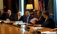 Ngày đầu làm việc, Thủ tướng Malaysia cắt 10% lương các bộ trưởng