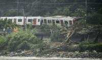 """Ít nhất 27 người thiệt mạng, 47 người mất tích do mưa """"lịch sử"""" ở Nhật"""