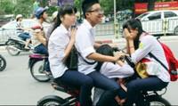 Tai nạn đau lòng do trẻ đi xe đạp như xe máy