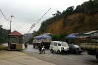 Xe chở hàng lậu đâm tử vong cán bộ trạm kiểm soát Dốc Quýt