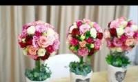 Cách cắm hoa hồng đơn giản mà vẫn vô cùng tinh tế.