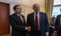 Việt Nam - Liên bang Nga: Nhất trí nâng kim ngạch thương mại song phương lên 10 tỷ USD