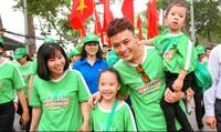 Hồng Đăng cùng 20.000 học sinh đi bộ vì thế hệ Việt Nam năng động