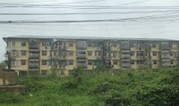 Thừa Thiên Huế:  Người dân sống thấp thỏm lo sợ trong khu chung cư xuống cấp