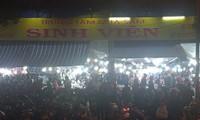 Dở khóc dở cười ở khu chợ đêm sinh viên tự phát tại Huế