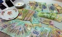Cán bộ địa chính xã bị bắt quả tang đánh bạc