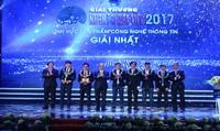 Thủ tướng Nguyễn Xuân Phúc trao giải thưởng Nhân tài Đất Việt