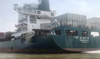 2 tàu va chạm trên sông Đồng Nai nhiều hàng hóa hư hỏng