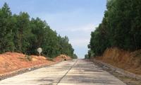 Thông xe đường vào mỏ đá Tân Cang: Niềm vui cho người dân xã Phước Tân
