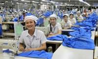 Có thể thực hiện điều chỉnh lương hưu của lao động nữ theo lộ trình