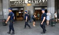Cảnh sát Bỉ bao vây các đối tượng có vũ khí cố thủ gần trường tiểu học