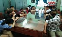 Bắt quả tang nhiều người sử dụng ma túy trong quán karaoke lúc mờ sáng