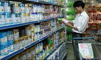 """Bỏ giá sữa trần, doanh nghiệp có """"tự tung tự tác""""?"""