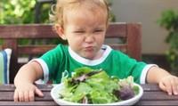 Bổ sung chất xơ đúng cách cho trẻ bị táo bón