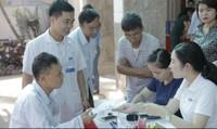 FLC kết hợp cùng Bệnh viện Hà Thành thăm khám và tặng quà người có công với cách mạng tại Vĩnh Tường