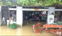 Thừa Thiên - Huế 'ngập' trong biển nước, nhiều địa phương bị chia cắt