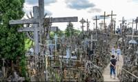 Domantai - Ngọn đồi thánh giá kỳ diệu