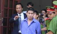 Gã chồng Trung Quốc sát hại vợ bằng 50 nhát dao