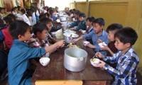 Bắt Hiệu trưởng, Hiệu phó bán 6 tấn gạo của học sinh dân tộc bán trú