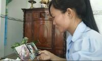 Người mẹ trẻ bán đất lặn lội hai năm đòi quyền nuôi con