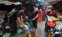 Khuyến khích không bán gia cầm sống chưa giết mổ tại chợ: Đề xuất gây tranh cãi