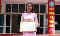 Nữ sinh viên báo chí vượt khó vươn lên