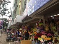Hoa tăng giá nhẹ, quần áo, du lịch giảm giá sâu đón 20/10