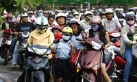Bắt buộc đội mũ bảo hiểm cho trẻ từ 6 tuổi, xử nghiêm trường hợp vi phạm