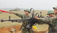 Sư đoàn 324 mang súng máy, xe tăng... dàn trận 'chiến đấu như thật'