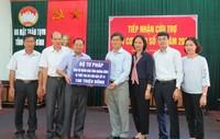 Thứ trưởng Nguyễn Khánh Ngọc thăm, tặng quà vùng tâm bão Quảng Bình