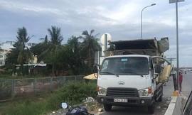 Xe tải kéo sập khung giới hạn chiều cao phần đường dành cho xe 2 bánh