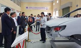 Toyota Việt Nam trao tặng gói tài trợ thiết bị kỹ thuật cho Trường Đại học Sao Đỏ