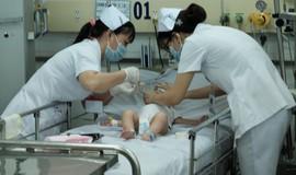 Bác sĩ BV Bạch Mai cảnh báo dấu hiệu nguy hiểm của bệnh chân tay miệng