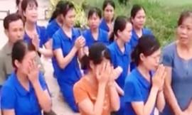 Công an vào cuộc vụ hàng chục giáo viên quỳ gối trước xe cán bộ