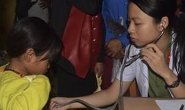 Bệnh viện 199 – Bộ Công an khám bệnh và phát thuốc miễn phí tại A Lưới