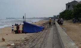 Quảng Bình: Lật thuyền, một người mất tích trên biển