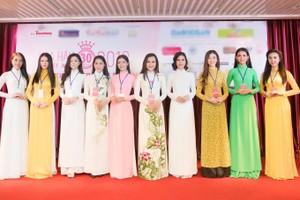 Độ tuổi của các thí sinh cũng phân bổ rộng. Thí sinh lớn tuổi nhất là Đoàn Kỳ Duyên, sinh năm 1993. Riêng bathí sinh Nguyễn Thị Thu Tâm, Trần Tiểu Vy và Phạm Ngọc Khánh Linh năm nay vừa tròn 18 tuổi.