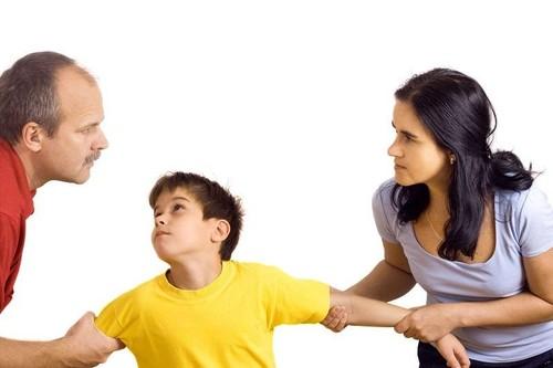 Làm thế nào để được gặp con, dù chưa ly dị?