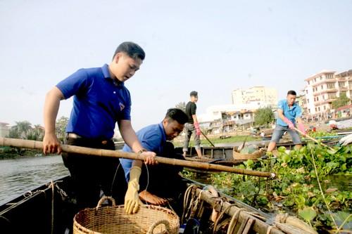 """Nhiều hoạt động vớt rác trên sông, khai thông mương rạch cũng chỉ là biện pháp """"ngọn"""" để bảo vệ môi trường"""
