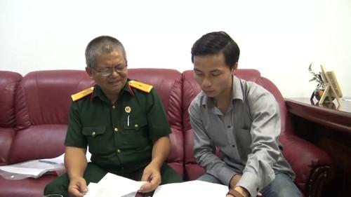 Ông Vinh trình bày với phóng viên về sự việc