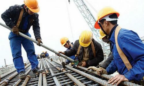 Người lao động cần được trang bị đầy đủ phương tiện bảo vệ cá nhân. Ảnh minh họa