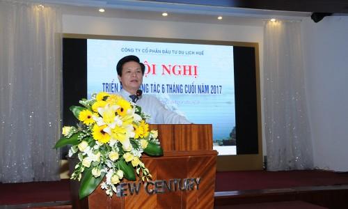 Ông Đinh Mạnh Thắng tại một hội thảo về du lịch