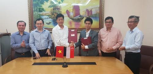 Lễ ký thoả thuận đầu tư với các nhà đầu tư Singapore